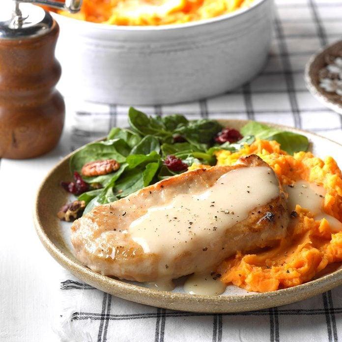 Slow Cooker Pork Chops Exps Wrsm17 32059 C03 22 3b Basedon 5