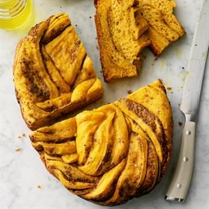 Sweet Potato and Pesto Slow Cooker Bread