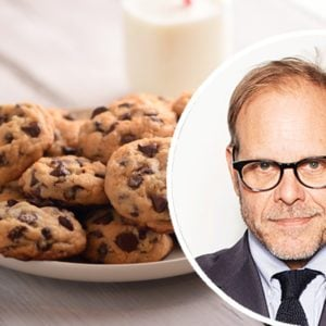You Need to Know Alton Brown's Tricks for the Best Chewy Chocolate Chip Cookies