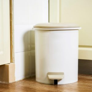 How to Get Rid of Trash Can Smell in 10 Seconds (or Less)