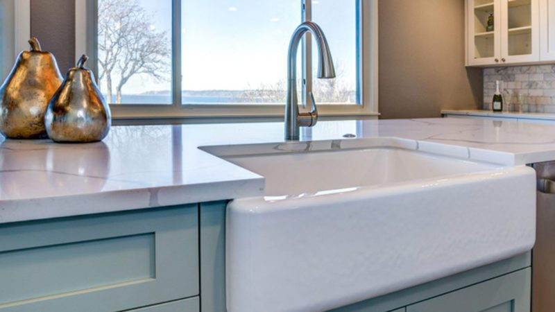 Why You Should Avoid the White Farmhouse Sink Trend ...