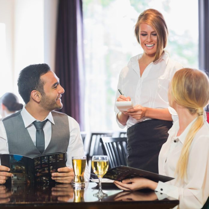 10 Things Servers Want You to Know If You're Eating out on a Holiday