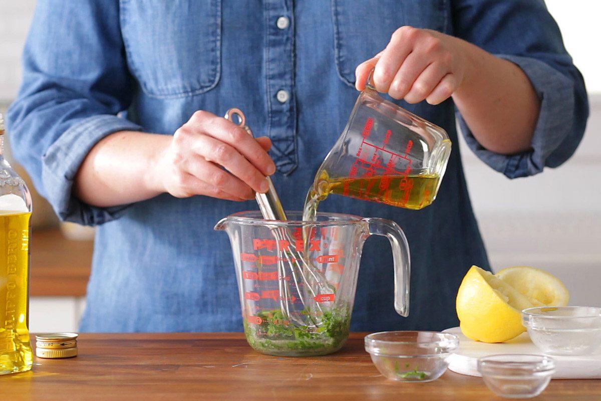 How to Make Grain Salad-Preparing dressing