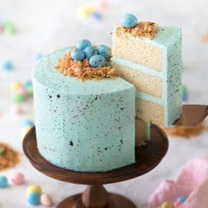 13 Festive Easter Cake Decorations