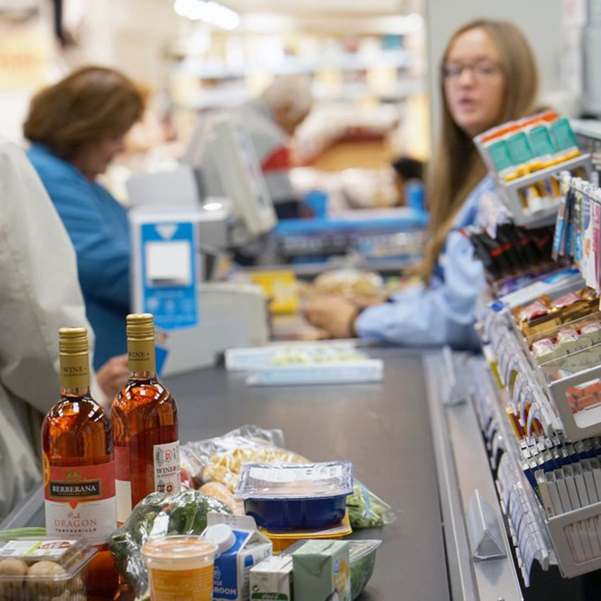 11 Things Store Cashiers Secretly Wish You Would Stop Doing