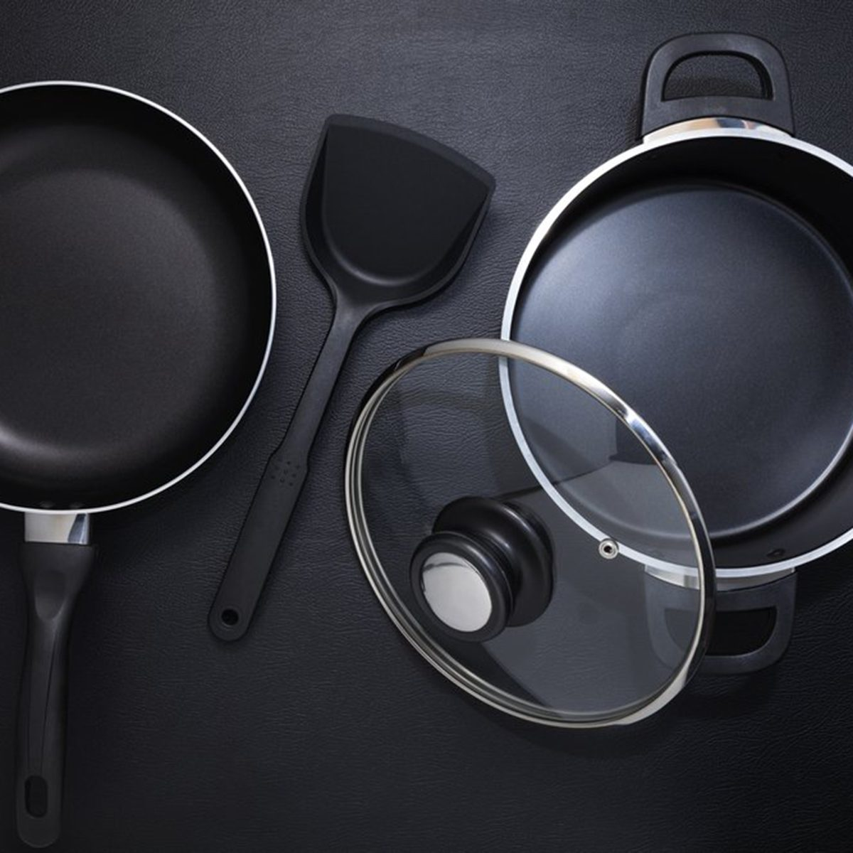 Cookware pots and pans
