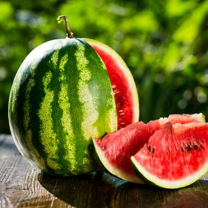 How to Cut a Watermelon (The Easy Way!)