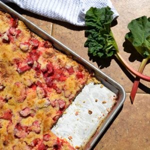 How to Make Delicious Strawberry Rhubarb Bars