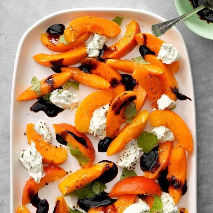 Apricots With Herbed Goat Cheese Exps Sdjj19 148126 B02 12 10b 3