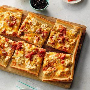 Creamy Chicken Enchilada Pizza