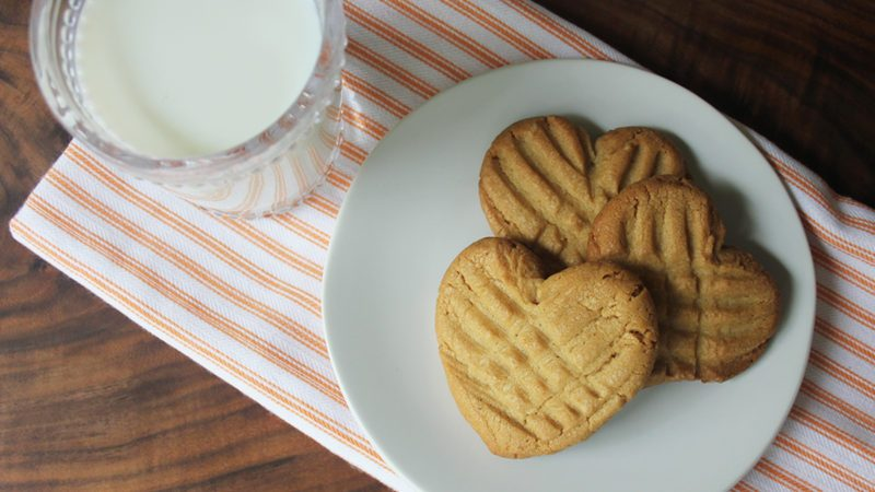 How to Make Heart-Shaped Peanut Butter Cookies
