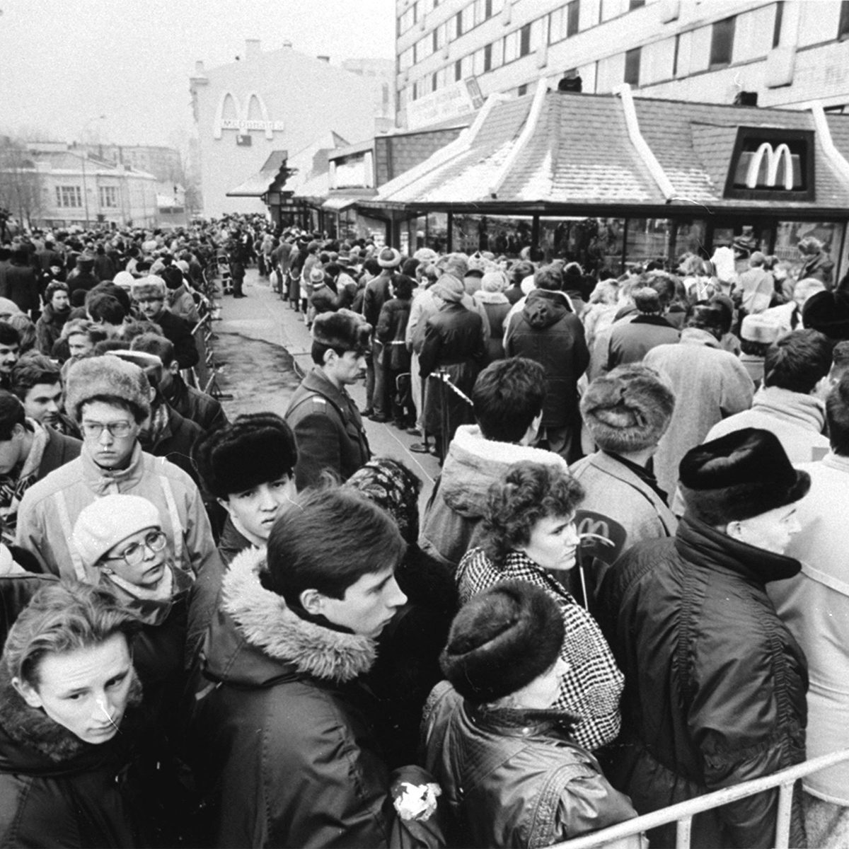 Hundreds of Soviets crowded around the first McDonald's in the Soviet Union on its opening day