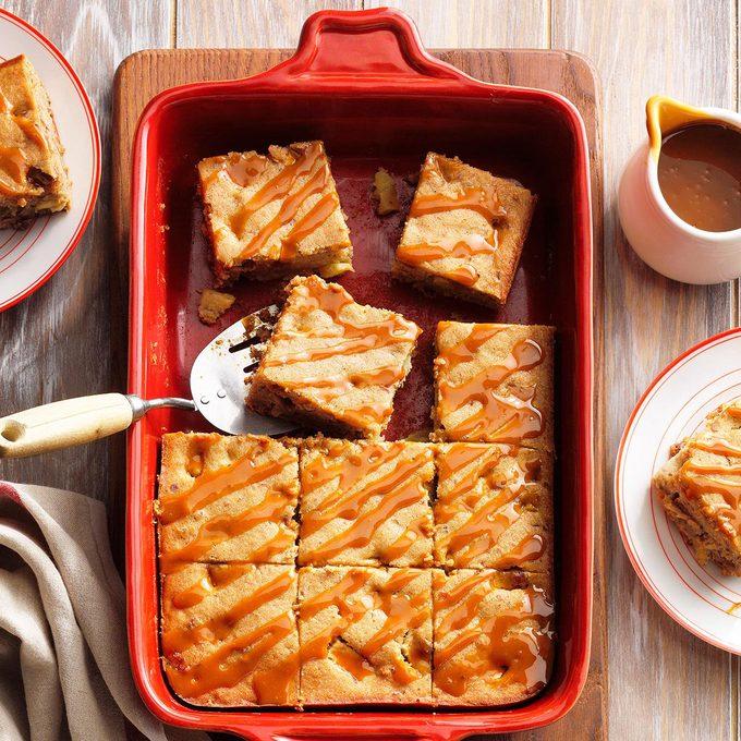 Apple Brandy Pecan Cake Exps Fbmz21 222850 E05 07 8b 4