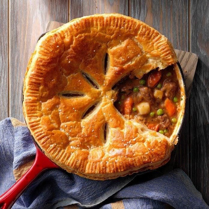 Wisconsin: Beef Stew Skillet Pie
