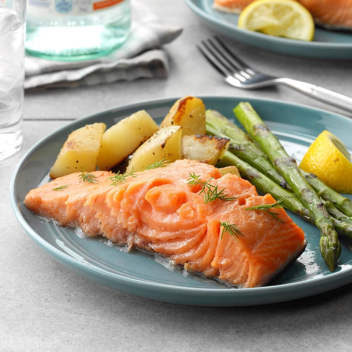 Easy Poached Salmon Exps Thedsc19 187504 B03 01 2b Rms 1