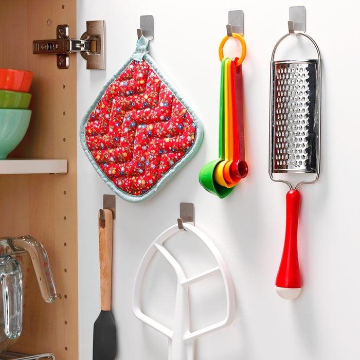 THGKH19, Hooks Inside Kitchen Cabinets