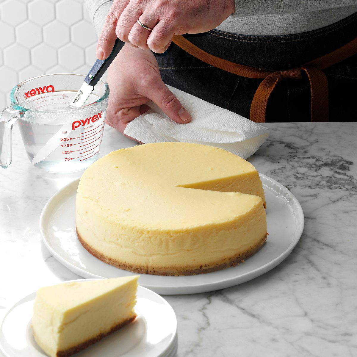 THGKH19, Hot knife to cut cheesecake