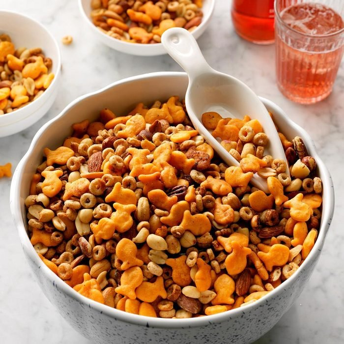 Nutty Slow Cooker Snack Mix  Exps Thedscodr19 204342 C02 28 5b 10