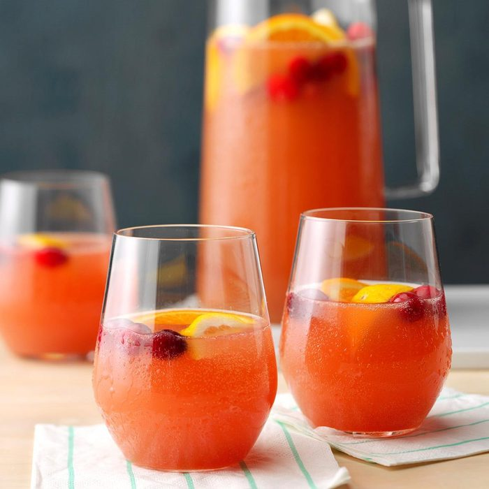 Party-Ready Beverage: Scarlet Sipper