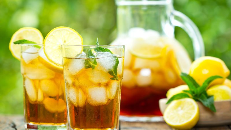 Iced tea and lemon