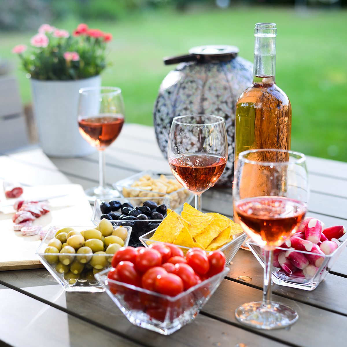10 Wine Tasting Party Game Ideas To Play As You Sip