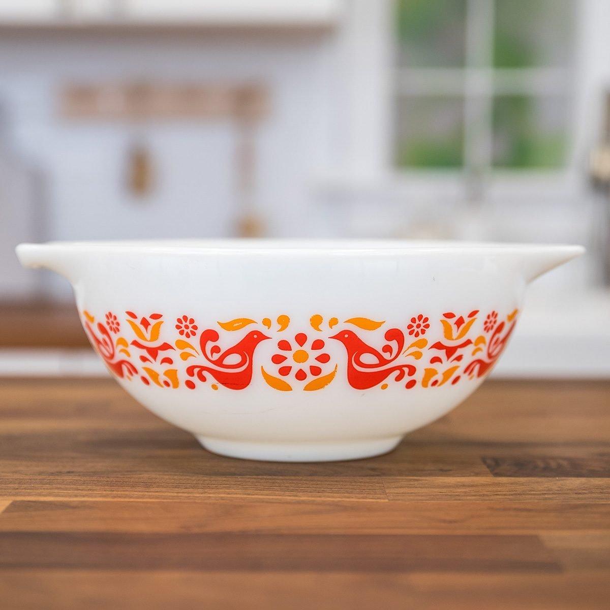 Vintage Pyrex bowl in Friendship pattern
