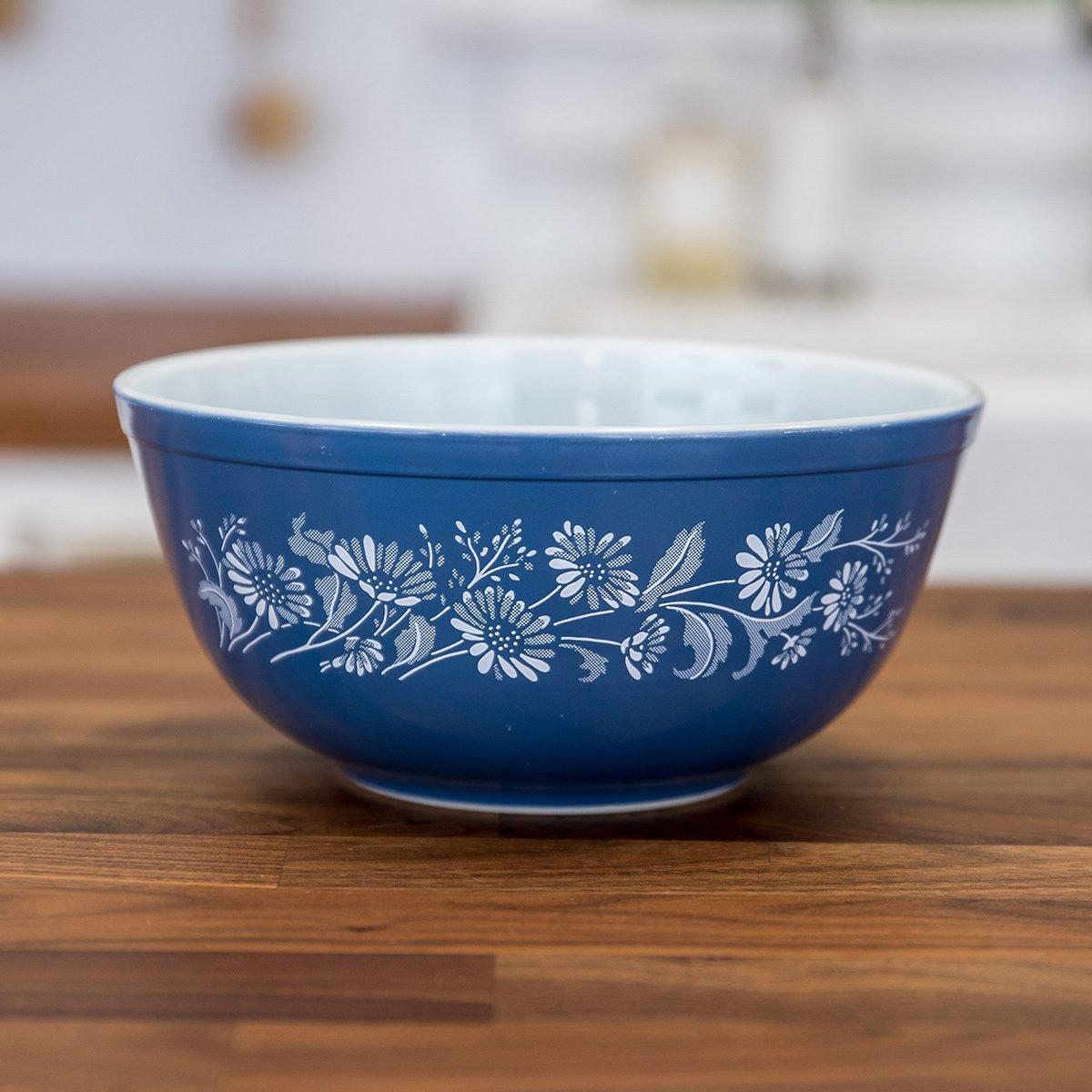 Vintage Pyrex bowl in Colonial Mist