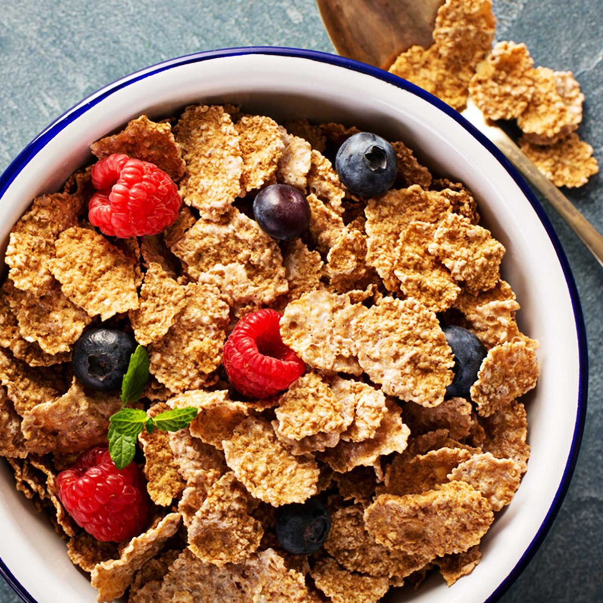 Cereal with fresh berries