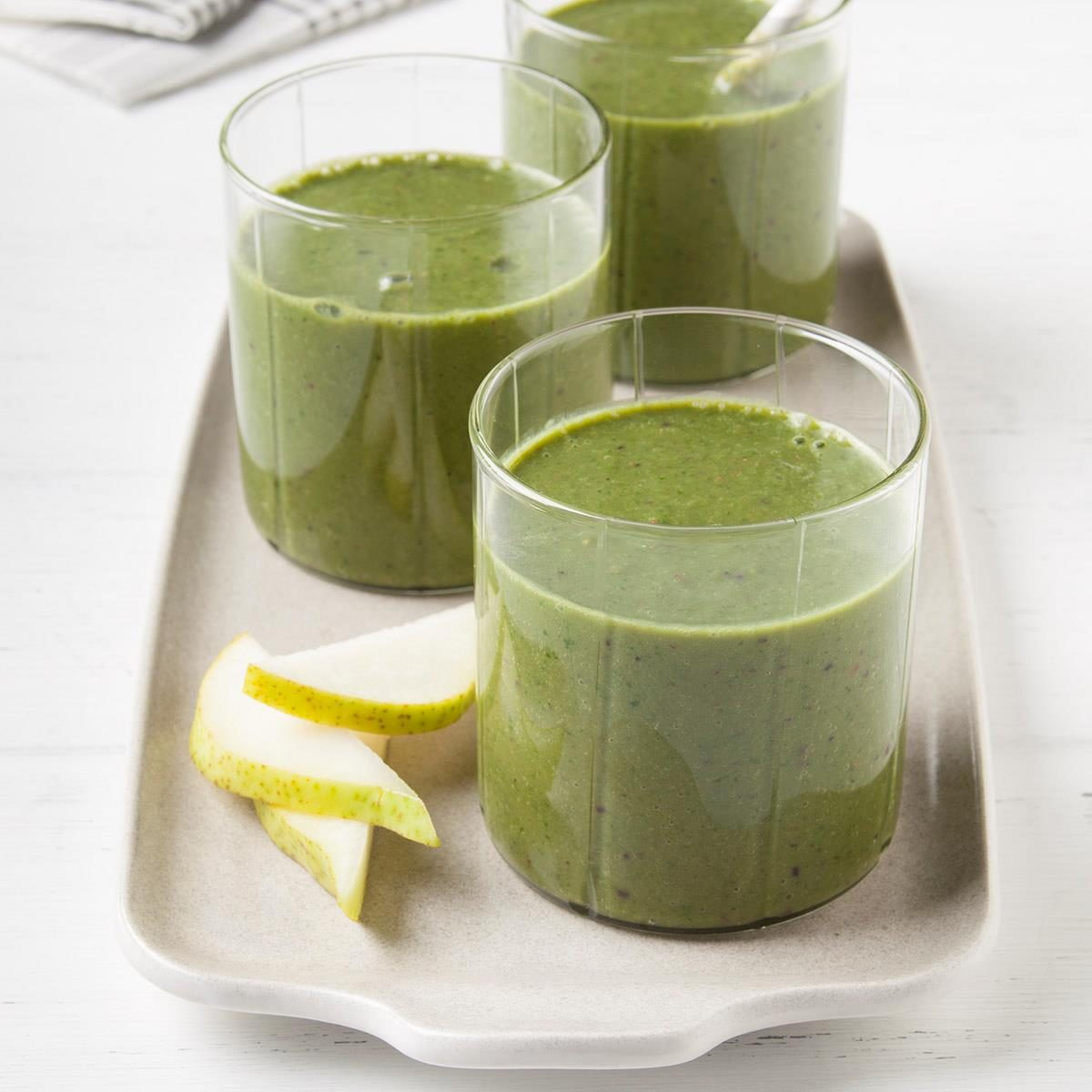 Kale pear smoothie