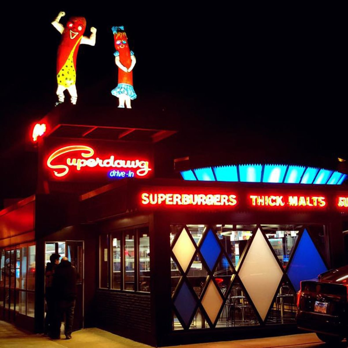 SUPERDAWG DRIVE-IN