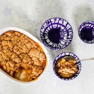 How to Make a Delicious Vegan Peach Cobbler