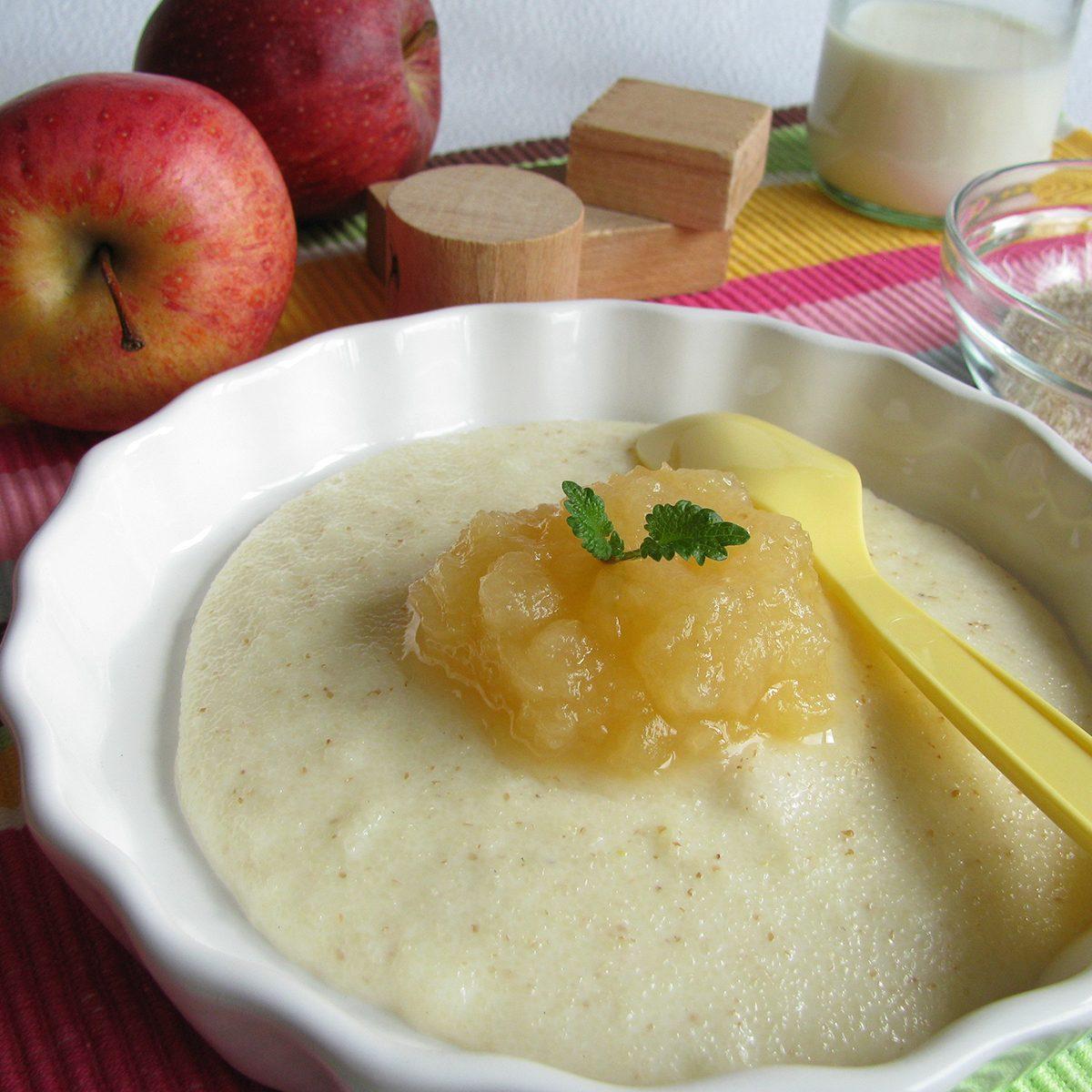 Spelt semolina with apple for Baby