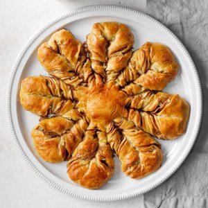 Chai-Spiced Star Bread