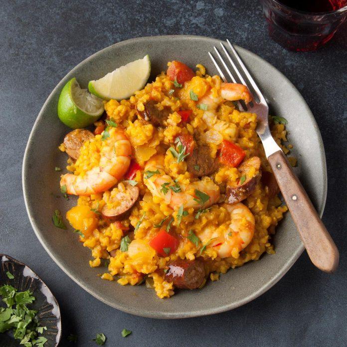 Grilled Chorizo And Shrimp Paella Exps Ft19  50438 F 0717 1 37
