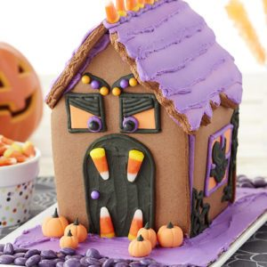 You Can Buy These Halloween Cookie House Kits Right Now