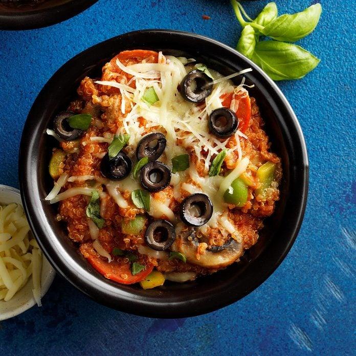 Supreme Pizza Quinoa Bowl  Exps Tohon19 237927 B06 05 6b 4
