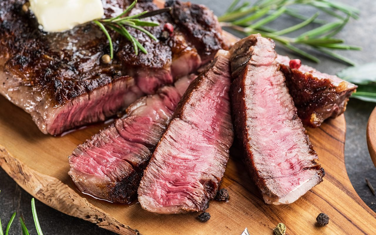 How to Cut Steak the Right Way