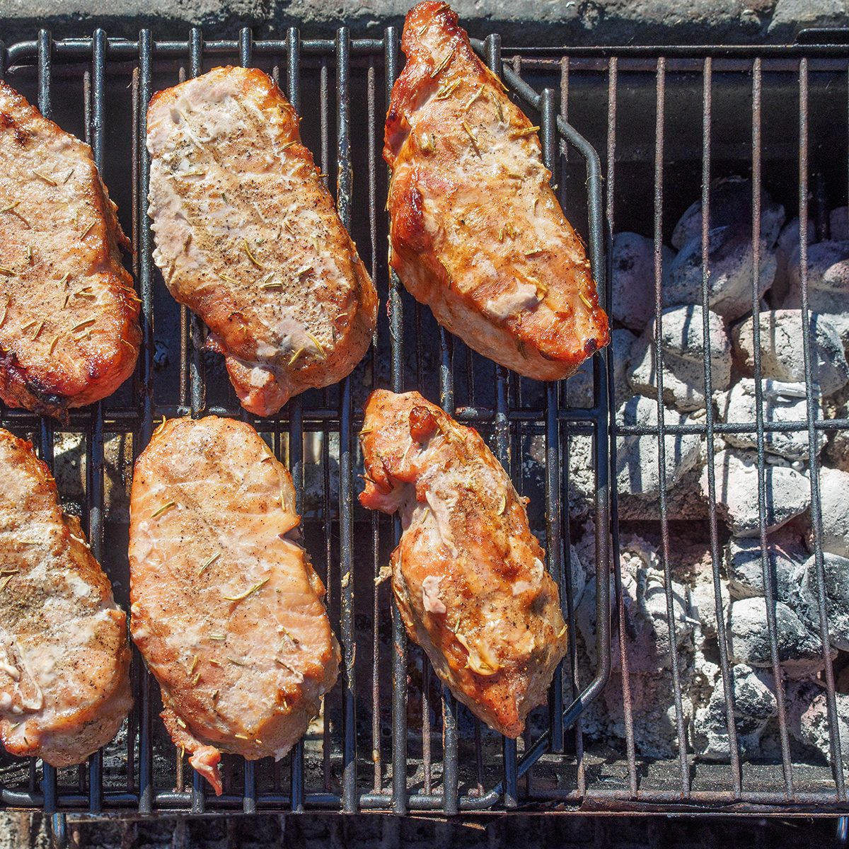 Pork chops cooked by indirect 2-zone grilling method