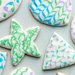 How to Make Decorated Sugar Cookies with Royal Icing