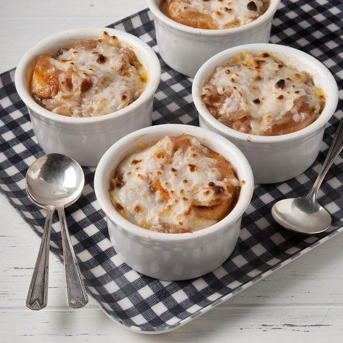 Vegan French Onion Soup Exps Ft19 244762 F 0823 1 5