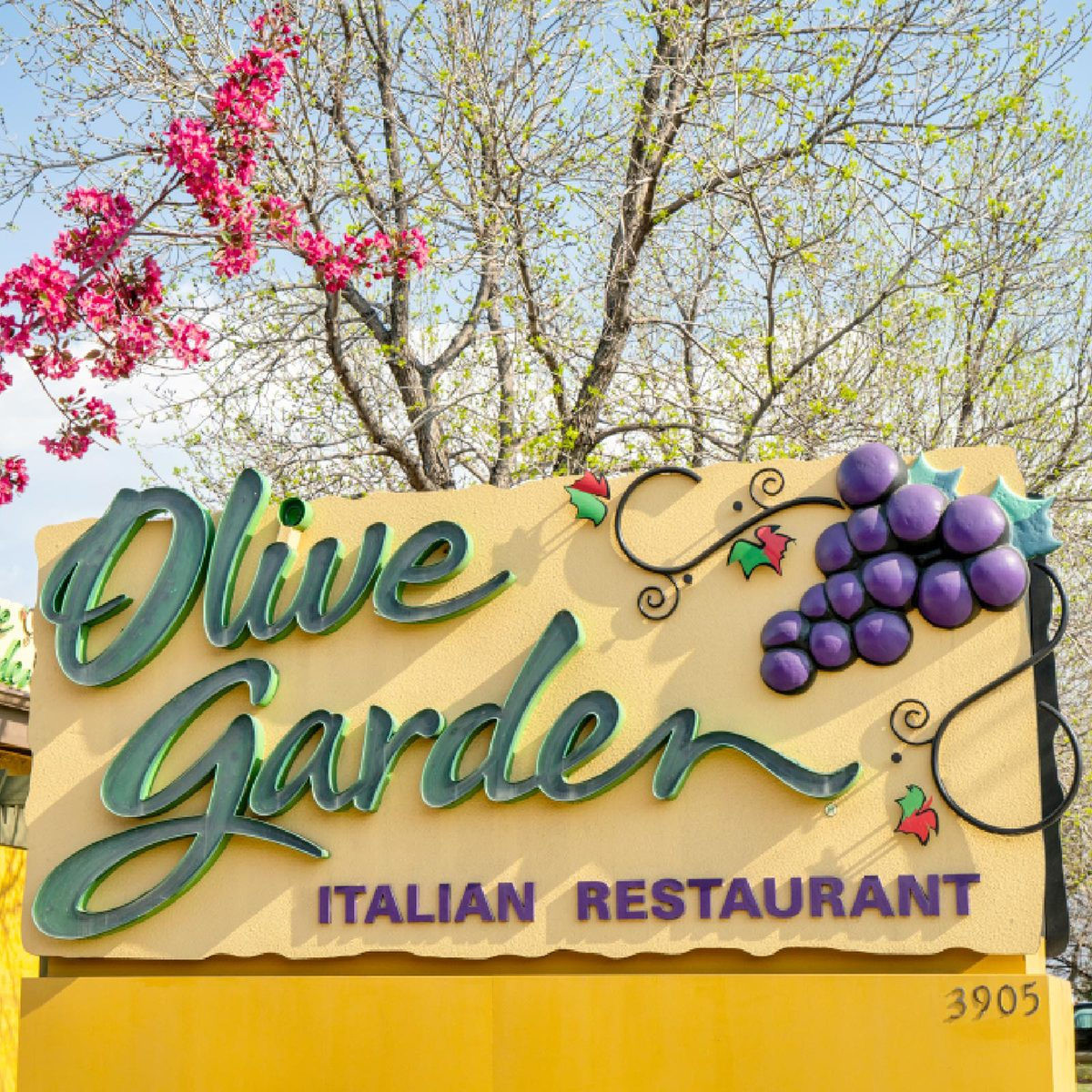 17 Secrets Olive Garden Doesn T Want You To Know Taste Of Home