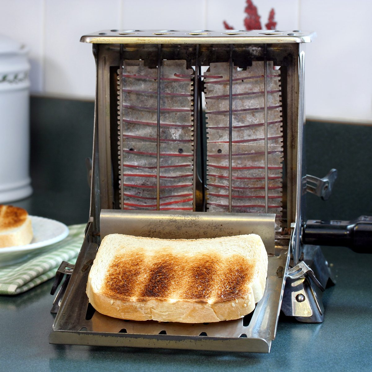 Vintage Toaster with Toast; Shutterstock ID 10167958; Job (TFH, TOH, RD, BNB, CWM, CM): TOH