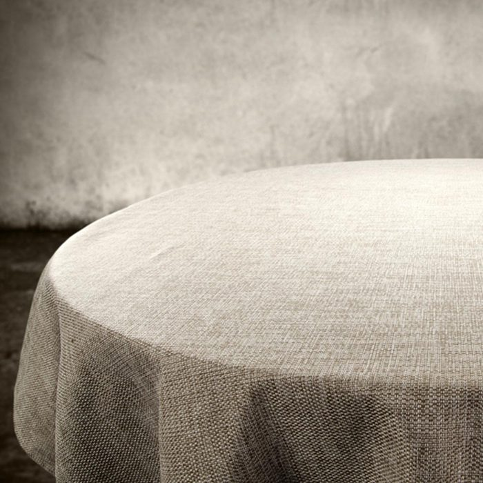 shutterstock_292360067 table cloth