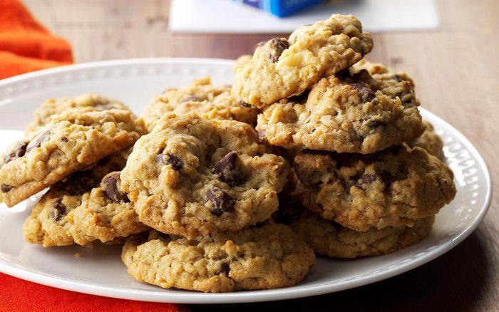 Air Fryer Chocolate Chip Oatmeal Cookies