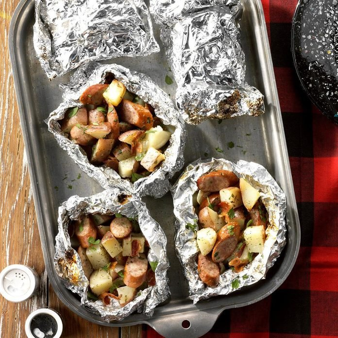 Foil-Packet Potatoes and Sausage
