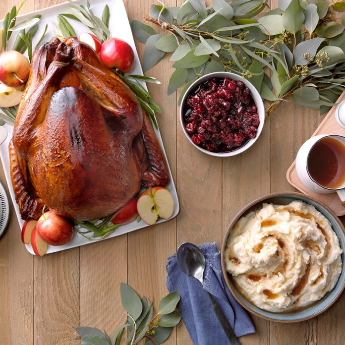 Your Holiday Handbook for Hosting Thanksgiving