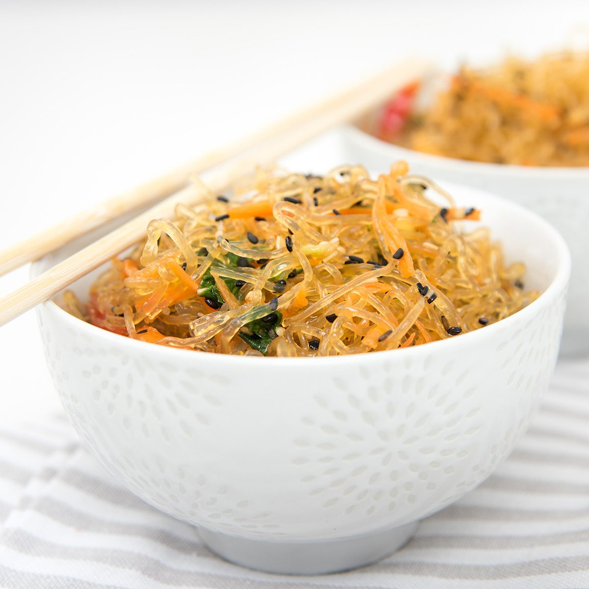 Asian Cuisine Inspired Kelp Noodle Salad with Vegetable and Sesame Seeds