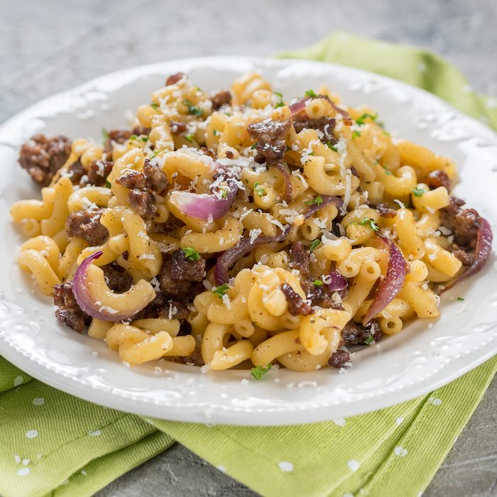 elbow pasta with mince beef meat, onion and cheese; Shutterstock ID 1177862743; Job (TFH, TOH, RD, BNB, CWM, CM): TOH