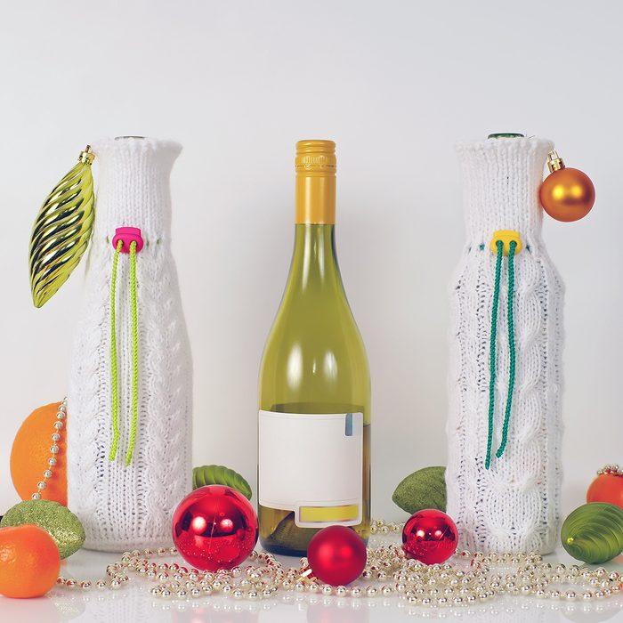 Knitted wine-bottle bag