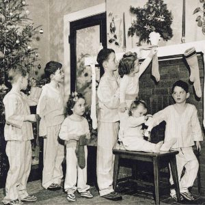 32 Vintage Photos of Christmases Past